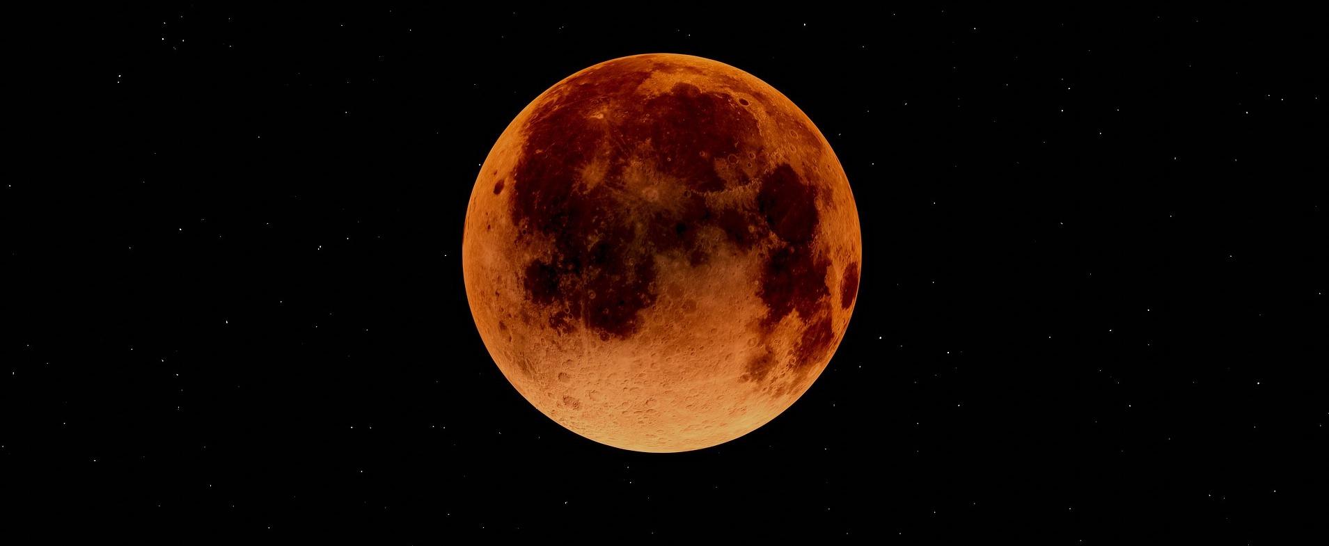 blood-moon-3949272_1920 pixabay crop