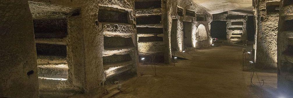 Catacombe_di_San_Gennaro_003Dominik Matus wikimedia CCASA4I copy