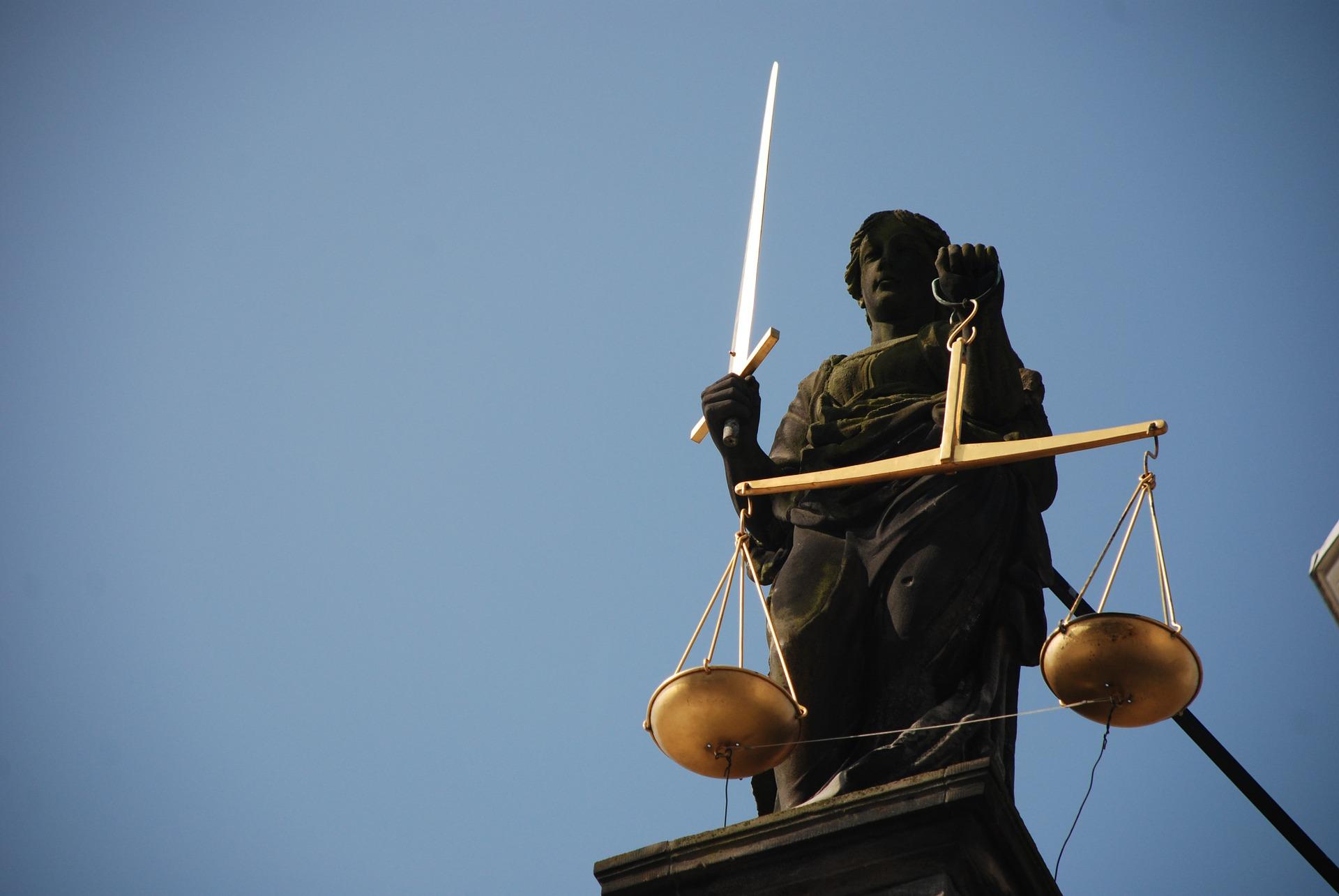 lady-justice-677945_1920