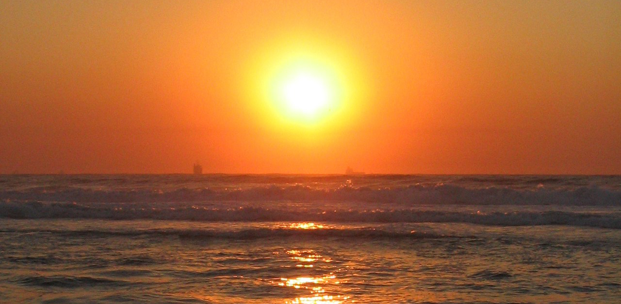 sunrise-in-durbs-1560729 Jacqueline Maurice freeimages