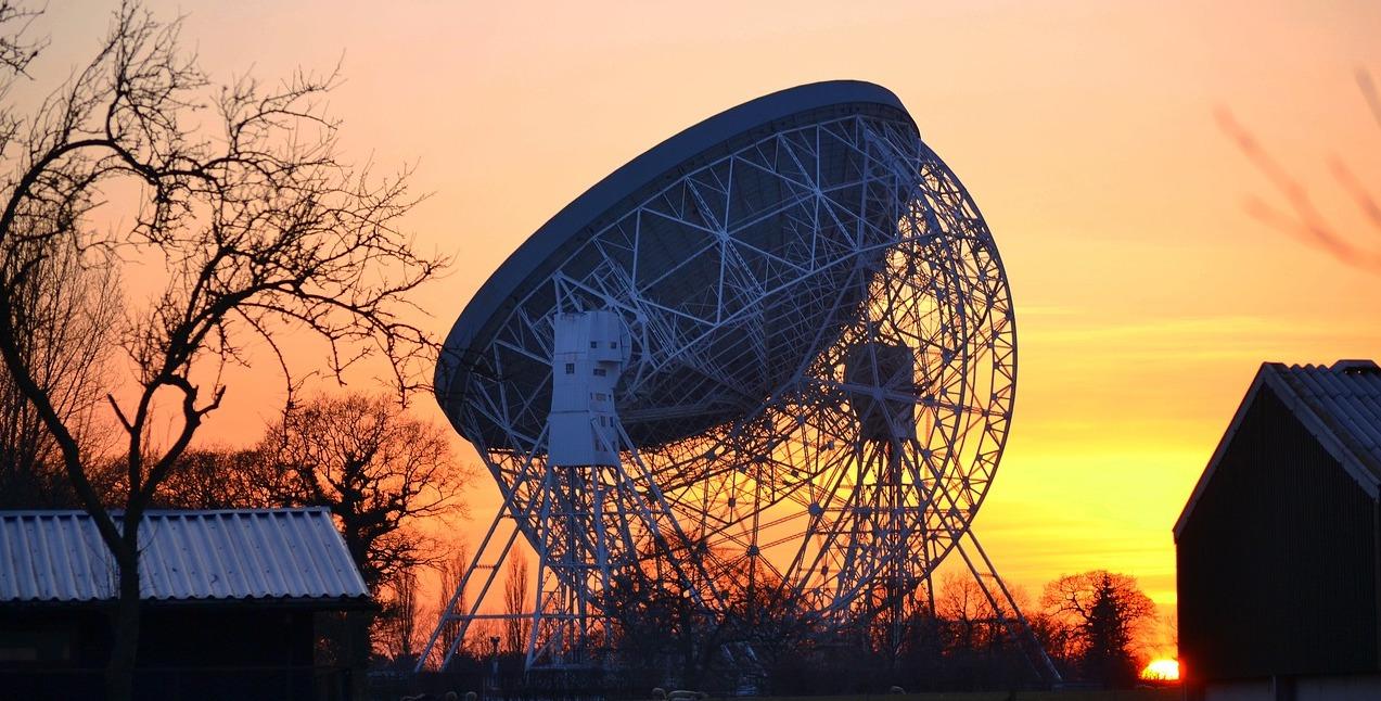 Telescope Jodrell bank-2645230_1280Richard Marriott crop