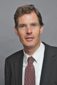 Prof. Michael Esfeld